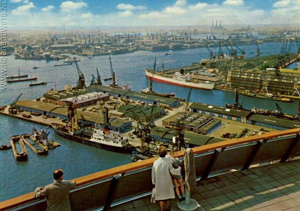 Uitzicht vanaf de Euromast begin jaren zestig. De foto komt van de website skyscrapercity.com
