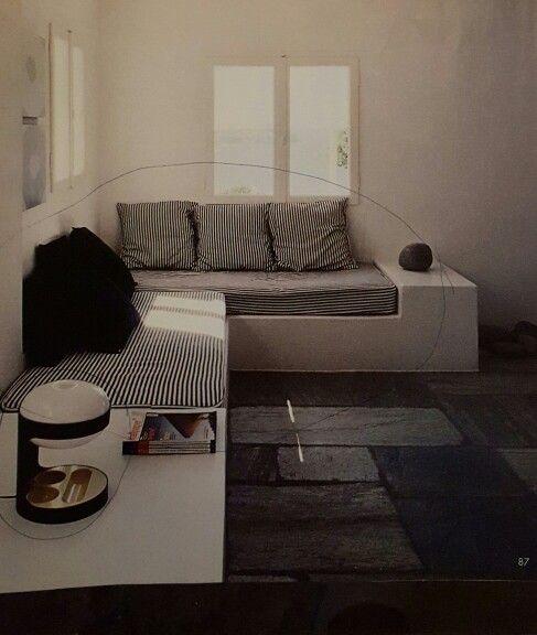 Platsbyggd soffa/säng