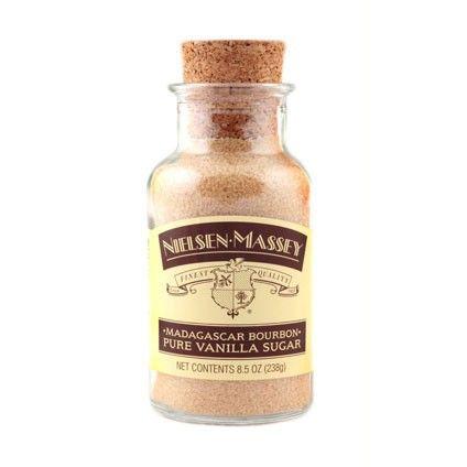 El azúcar de vainilla pura de Madagascar es una mezcla sabrosa de azúcar gourmet y el pináculo de todas las vainillas: el extracto puro de vainilla Bourbon de Madagascar. Úsalo en cualquier receta donde la vainilla y el dulzor del azúcar sean deseados. Es ideal para productos horneados, como galletas, pasteles y tartas, y también espolvoreado en bebidas, como café, cacaos o licuados, y como relleno para crepes, fruta o galletas. Peso: 238 gramos Ingredientes:azúcar, extracto de vainilla…