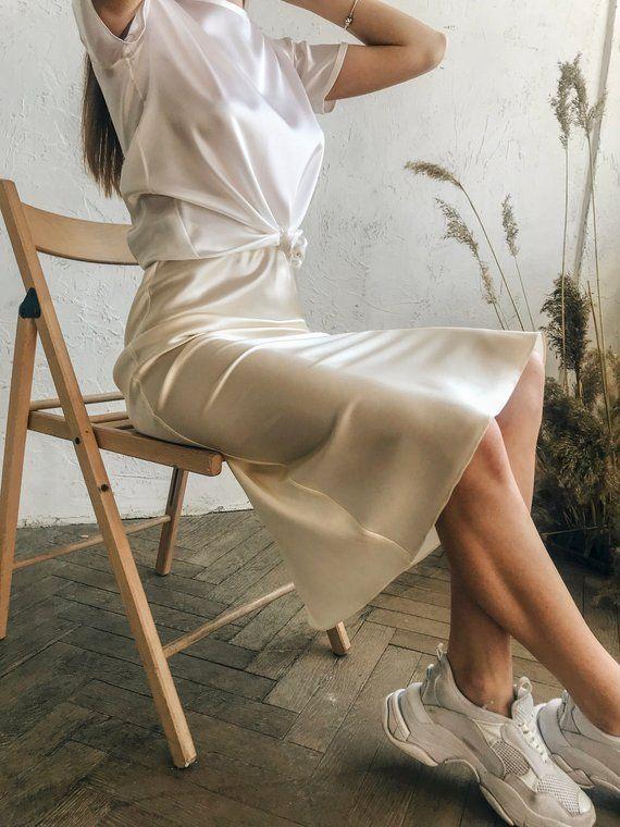 Coupe en slip soie jupe midi crème satin de soie jupe soie slip biais jupe Ivoire engobe blanc jupe soie vêtements soie bases Midi beige satin