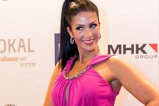 """Die ehemalige Gewinnerin des """"Bachelor"""" ist auch bei der ersten PIXX Lounge 2016 zu Gast.  Anja Polzer wurde als Gewinnerin durch das RTL-Erfolgsformat """"Der Bachelor"""" 2012 bekannt. Inzwischen hat sie sich fest in den Medien als Moderatorinm und erfolgreiches Werbegesicht etabliert.  www.anjapolzer.de"""
