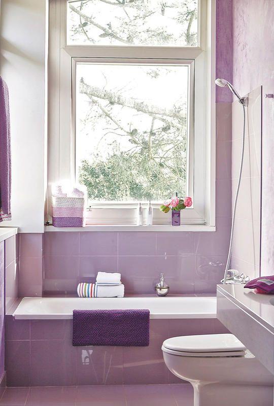 Decoración Baño Lila:bano-lila-ventana