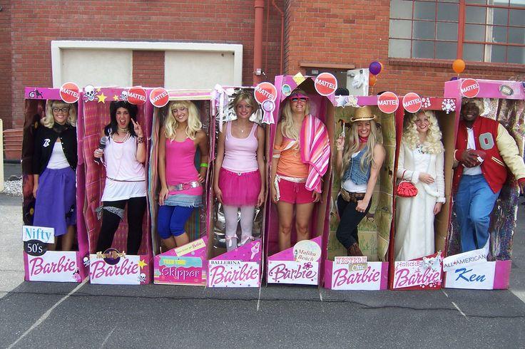 Euer Vorstand begrüßt euch als Barbie Puppen