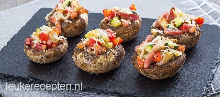 Gevulde champignons met spekjes