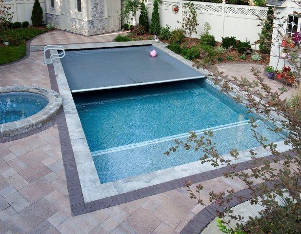 Toronto pool builders vinyl pool design beach entry for Pool design with beach entry