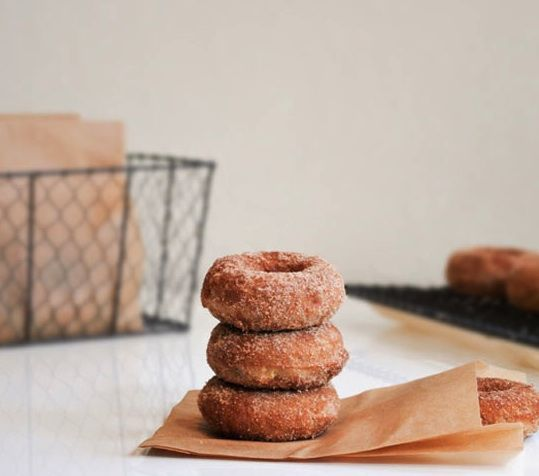 How to make your own baked apple donuts. Yum.