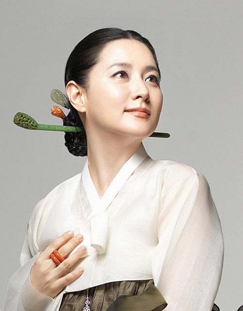 hanbok Lee Young Ae