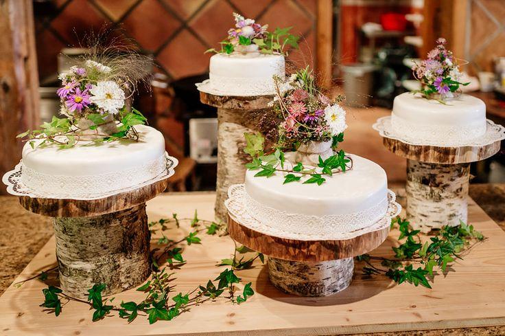 Katrin & Bene's rustikal inspiriertes Hochzeitsfest Photography: Martina Rinke Cake: Ines Edelbauer