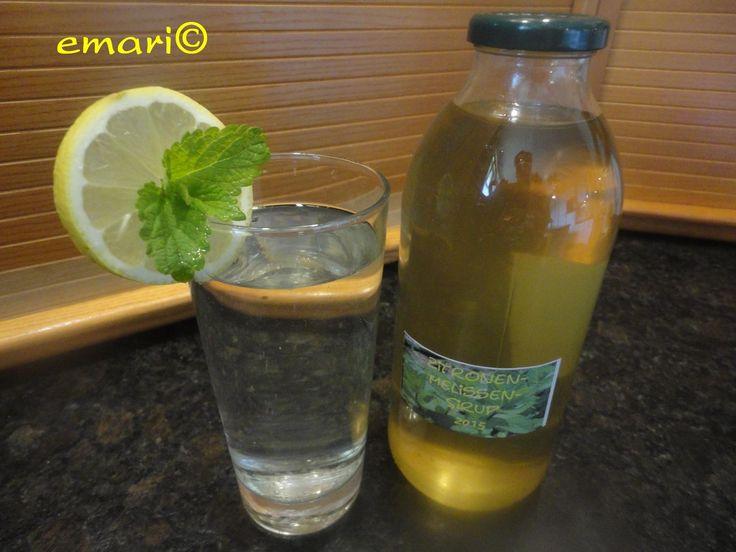 Das perfekte Zitronenmelissen Sirup - heiß angesetzt-Rezept mit einfacher Schritt-für-Schritt-Anleitung: frische zitronenmelisse aus dem garten holen -…