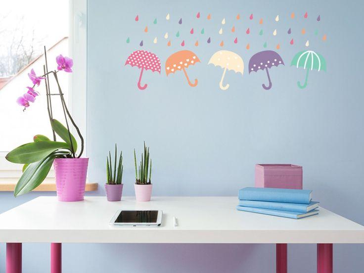 Lustiga paraplyn - färgfulla väggdekorer till barnrum #barnrum #väggdekorer #väggdekorationer #barn #paraply #roligaväggdekorer #regn