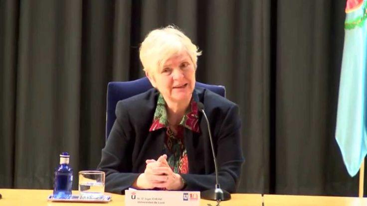 Inger Enkvist, es una catedrática de lengua española en la Universidad de Lund (Suecia), ella se declara defensora de la educación tra...