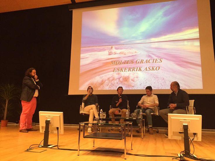 Los 4 ponentes responden preguntas directas. Ejemplos de gestión en #TurgastroUA