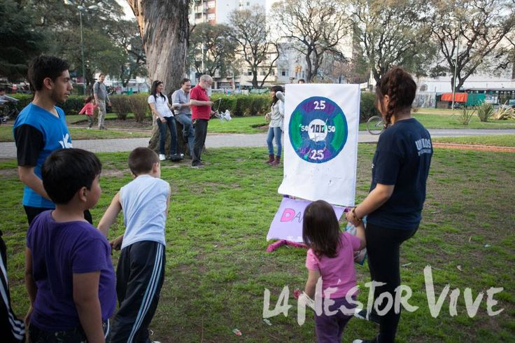 Junto a Red x Buenos Aires, La Nestor Vive en Parque Los Andes. Los únicos privilegiados serán los niños y a ellos nos dedicamos la tarde del sábado ofreciéndoles juegos y una merienda en el parque central de la comuna 15, a metros de la estación Federico Lacroze.