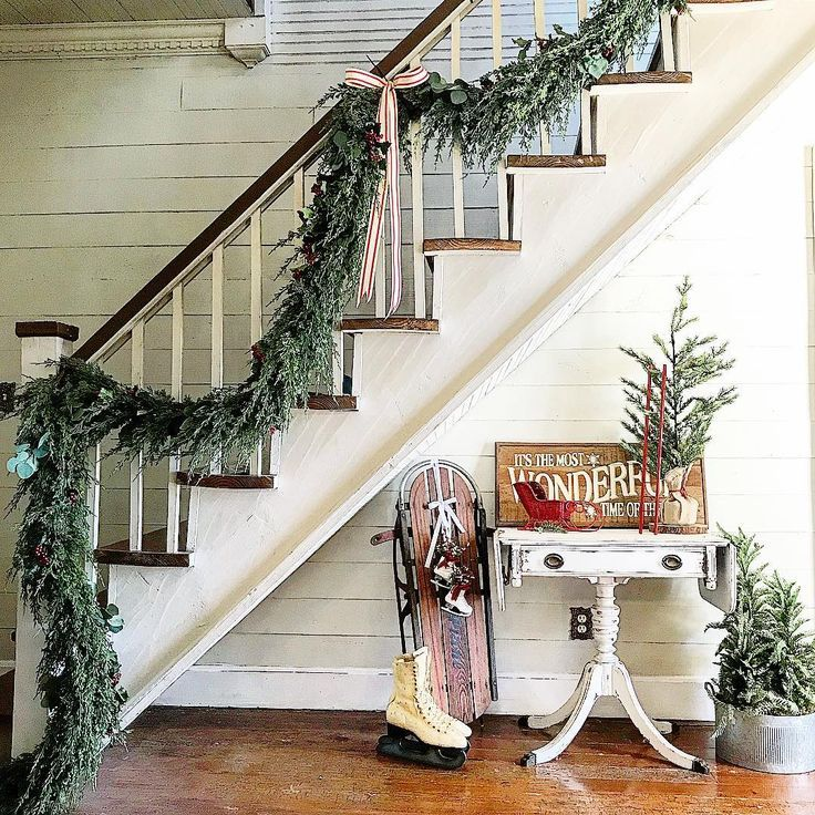 Best Christmas Stair Garland Ideas Pinterest Staircase Bannister