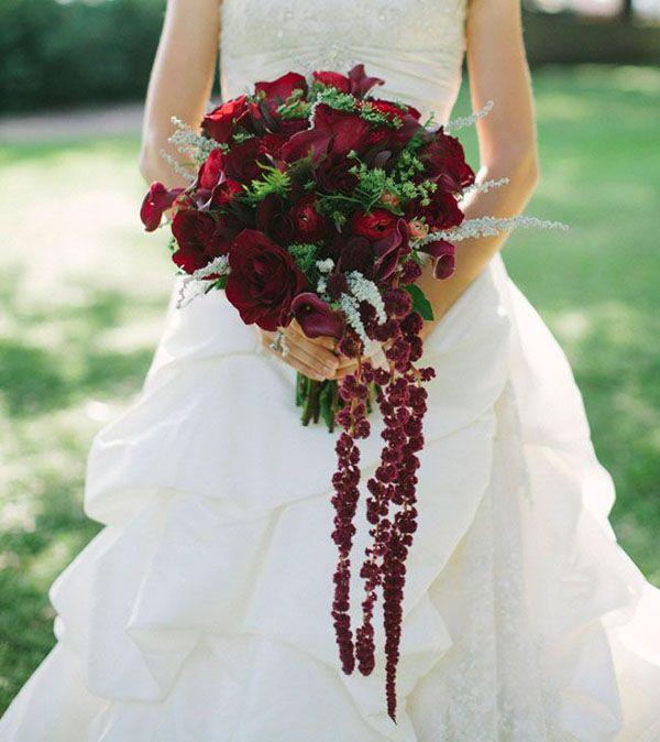 fall amaranth bouquet http://weddingwonderland.it/2015/11/fiori-per-un-matrimonio-autunnale.html