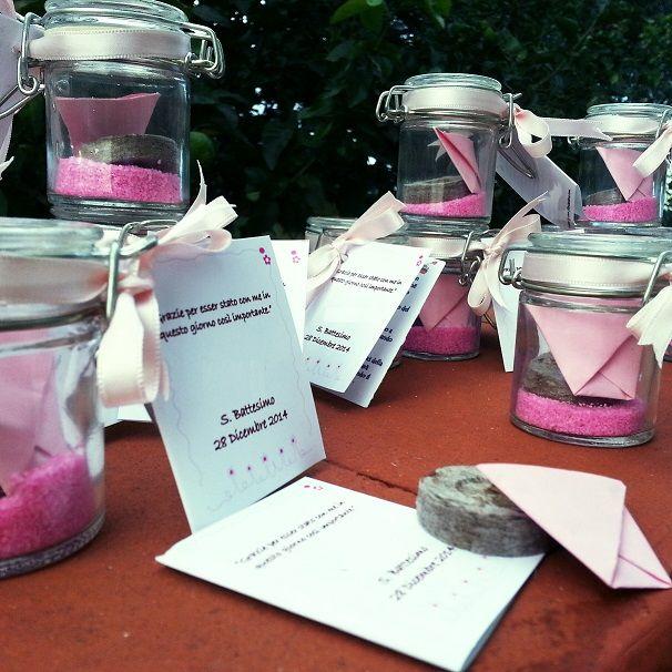 #Gadget #promozionale n. 5 - bomboniera battesimo bimba : kit di semina con #vaso di vetro con chiusura ermetica , #disco #torba compatta , #semi di fiordaliso , sabbietta rosa e nastro .  http://www.ifioridelbene.com/20-articoli-promozionali