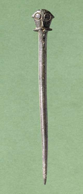 Viking costume needle / Danish
