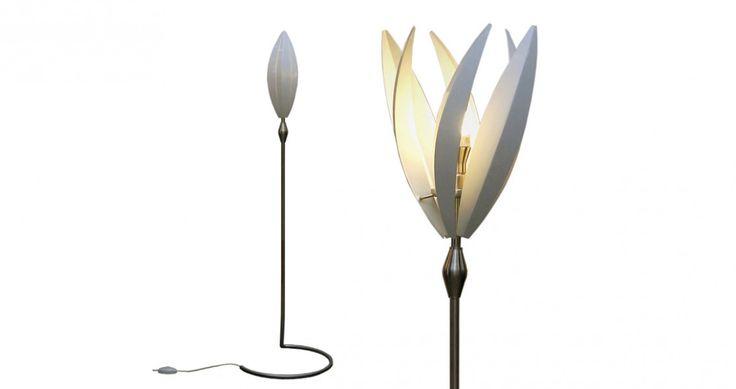 Crocus Lamp / Ross Mackay for Essenze