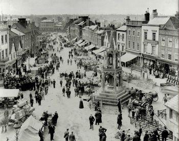 Early photo of Leighton Buzzard town centre.