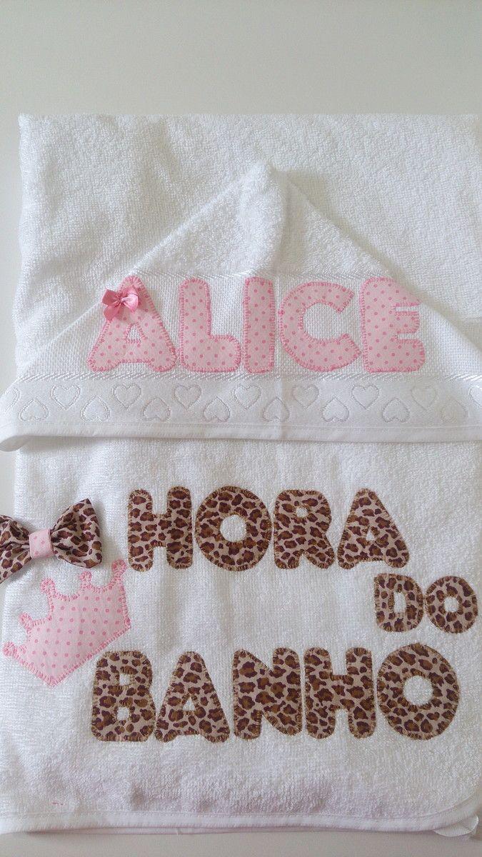 Toalha de Banho com capuz, forrada com fralda, bordada em Patch Apliquê, personalizada no tema e cor desejados.