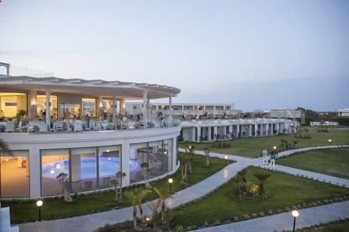 Lti Asterias Beach Resort Afántou Offering an outdoor pool and childrens playground, Lti Asterias Beach Resort is situated in Afantou in the Rhodes Region, 21 km from Rhodes Town.