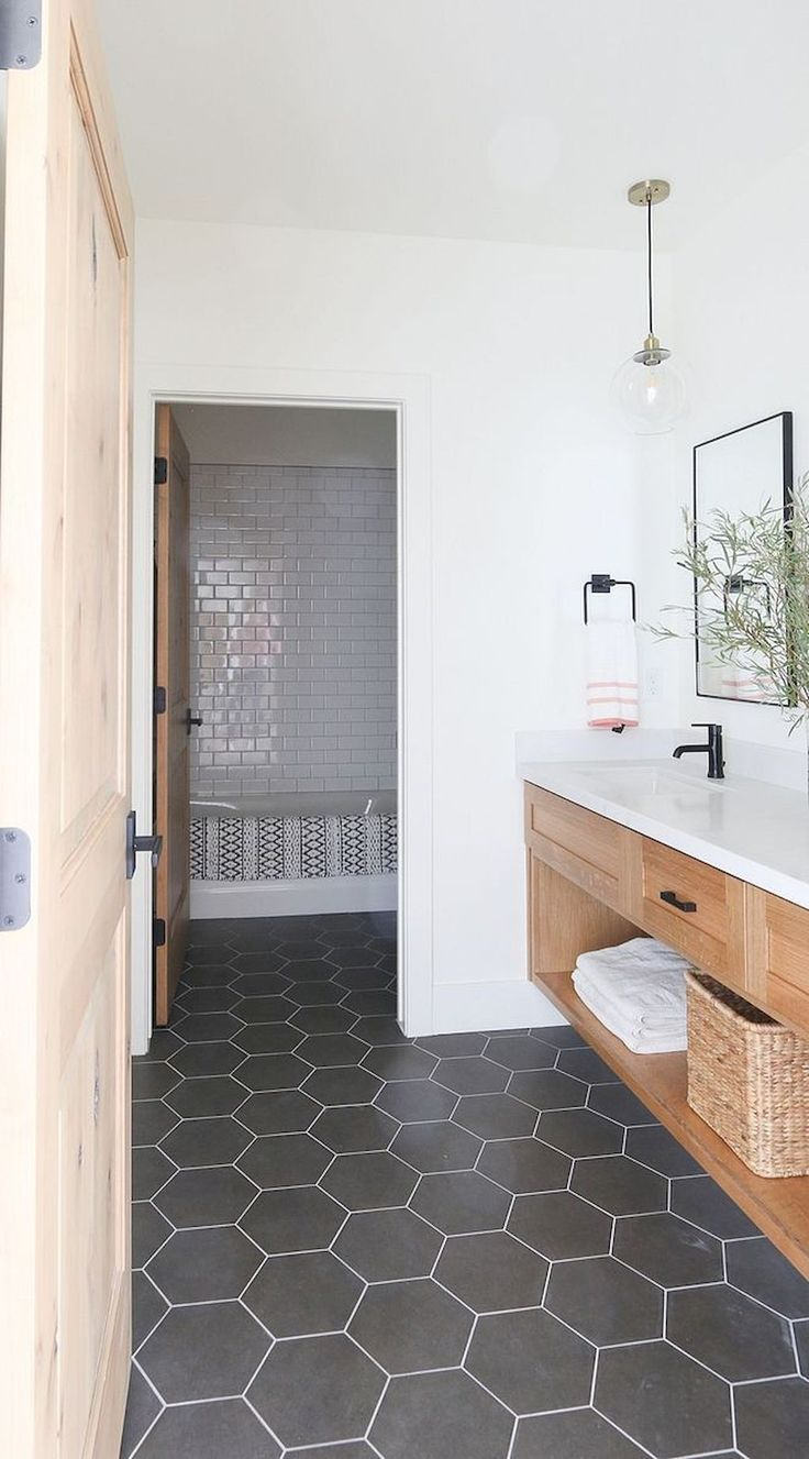Trendy Bathroom Remodeling Ideas 2020 Diseno De Banos Remodelacion Del Bano Pisos Para Banos
