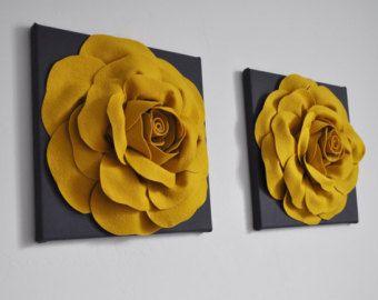 Décor à la maison tous les articles sont fait sur commande s'il vous plaît voir boutique pour le moment de la création actuelle ! Grande fleur de Rose Fuchsia sur noir et blanc à pois toile 12 x 12 Tenture murale. Correspondance et coordonner les oreillers disponibles veuillez voir boutique : https://www.etsy.com/shop/bedbuggs  Superbe touche à nimporte quel mur et de la chambre ! Plusieurs motifs de fleurs et couleurs disponibles, nous pouvons personnalisé à votre décor !...