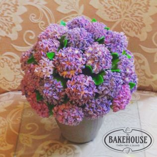 Hydrangea Flower Mothers Day Cupcakes bouquet