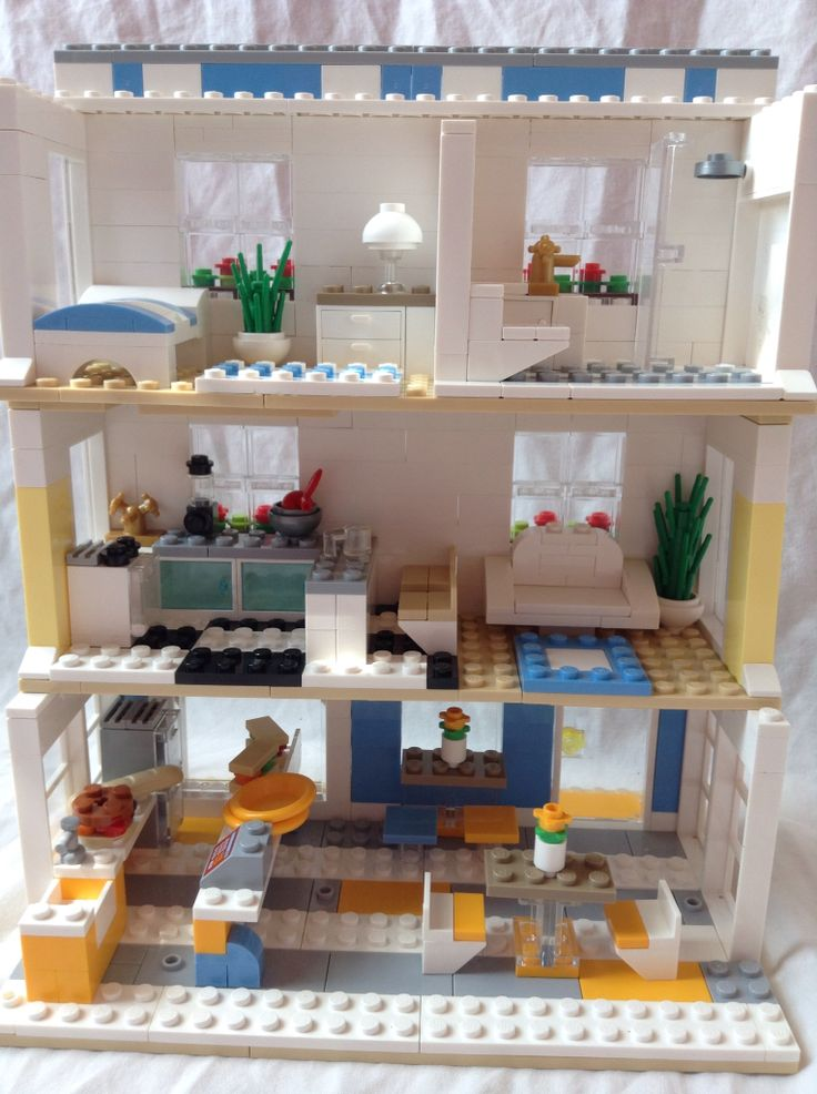 Lego apartment and sandwich shop