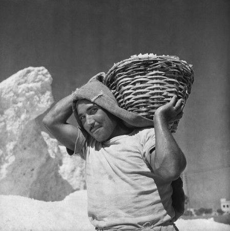 Marianne Sin-Pfältzer. Cagliari, saline, trasporto del sale, 1956