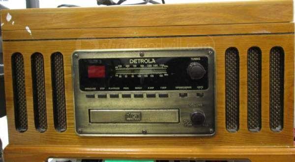 Detrola Model Km837 Retro Am Fm Stereo Radio Vintage