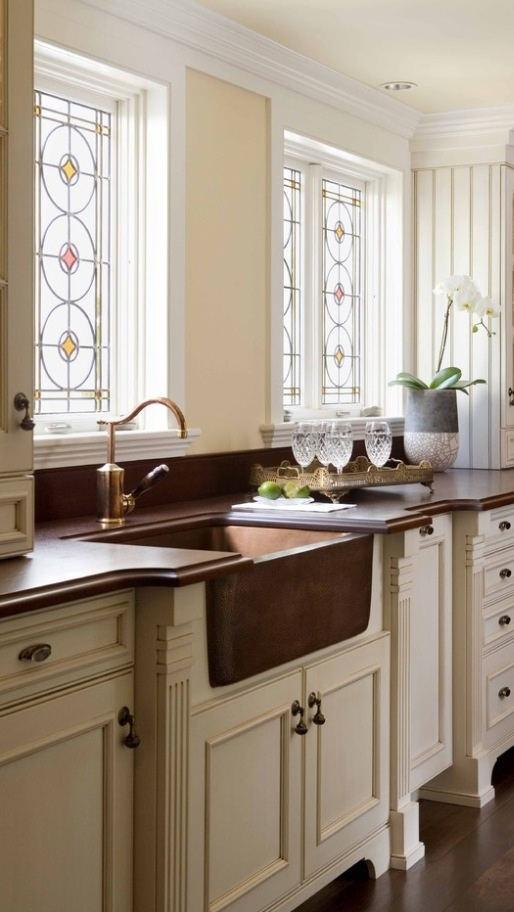 Love this apron sink and counter tops