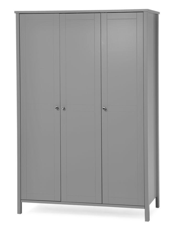 Rymlig och lättplacerad garderob som har plats till både hängande och vikta kläder. Garderoben passar lika bra i hallen som i sovrummet. Garderoben är inte monterad och därför lättare att ta med sig hem. Köp gärna till extra hyllplan som säljs i 2-pack.