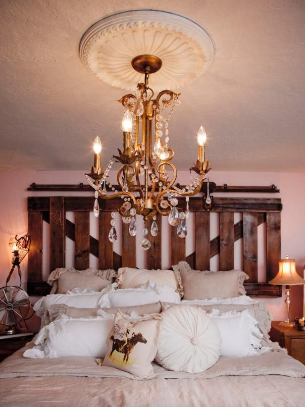 25 Best Ideas About Rustic Chic Bedrooms On Pinterest