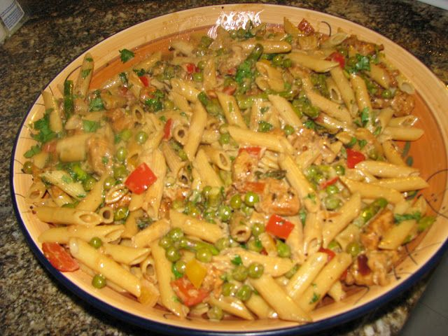 Copycat Cheesecake Factory's Spicy Chicken Chipotle Pasta. My hubby is going to be so excited.