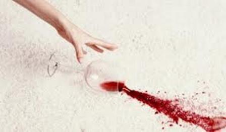 Como remover manchas de vinho tinto