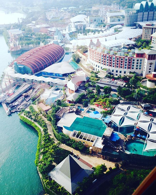 Grab the gondola over to Sentosa Island in Singapore, zip lining, the Singapore Aquarium, Universal Studios, glorious beaches and much more. Fun times. Go there now.  #singapore #sentosa #aquarium #fun #traveltease #travel #travelingram #instatravel #instago #travelling #tourism #trip #holiday