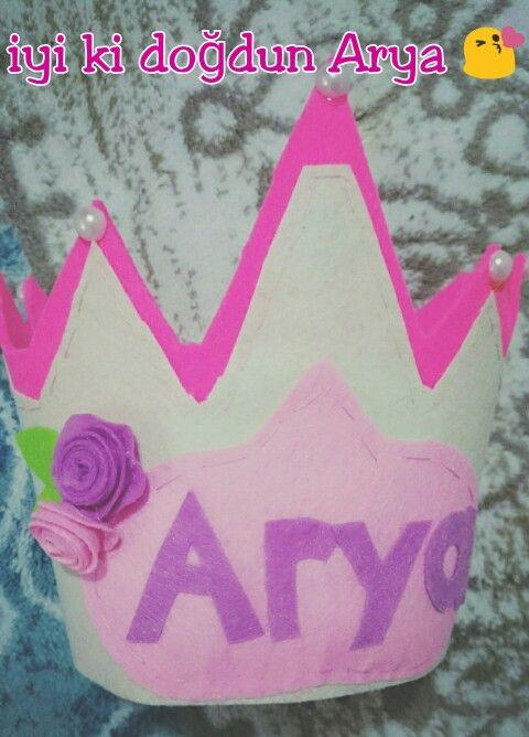 Keçe, keçeden taç, doğum günü keçe, birthday felt, felt crown, felting