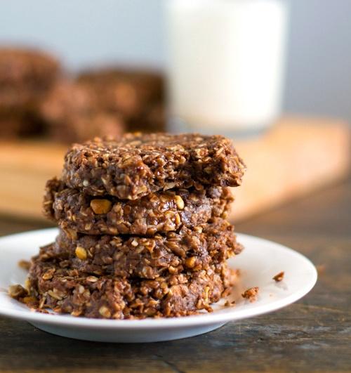 No Bake Dark Chocolate Snickers Cookies  {Pinch of Yum}