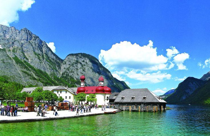 Озеро Кёнигзее, что в переводе означает «королевское море», является одним из красивейших мест Германии, а может, и всей Европы.