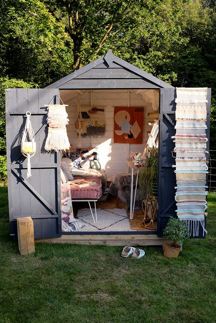 In desperate need of a space to weave in peace, Peas and Needles used her Shed of the Year inspiration to create her own workshop. Now she can weave the world away!