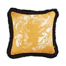 C1025-Banksia-Wreath-Mustard-50cm-1000x1000