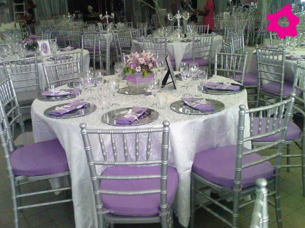 Decoración para boda color lila con plateado