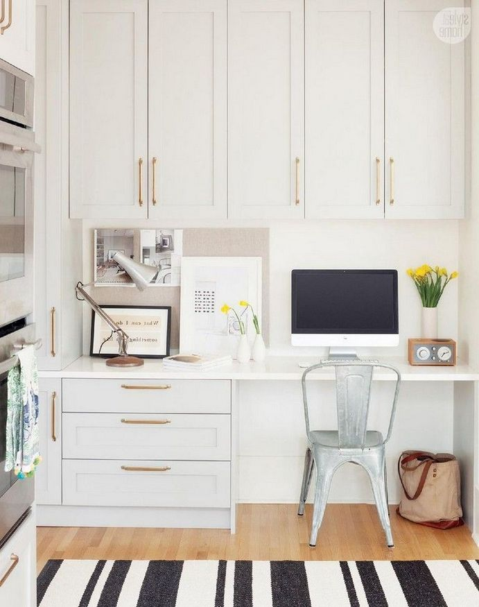 Trending Kitchen Desk Ideas 2019 Builtins Farmhousestyle Small Withwindow Commandcenters Di Home Office Cabinets Cheap Office Furniture Built In Cabinets