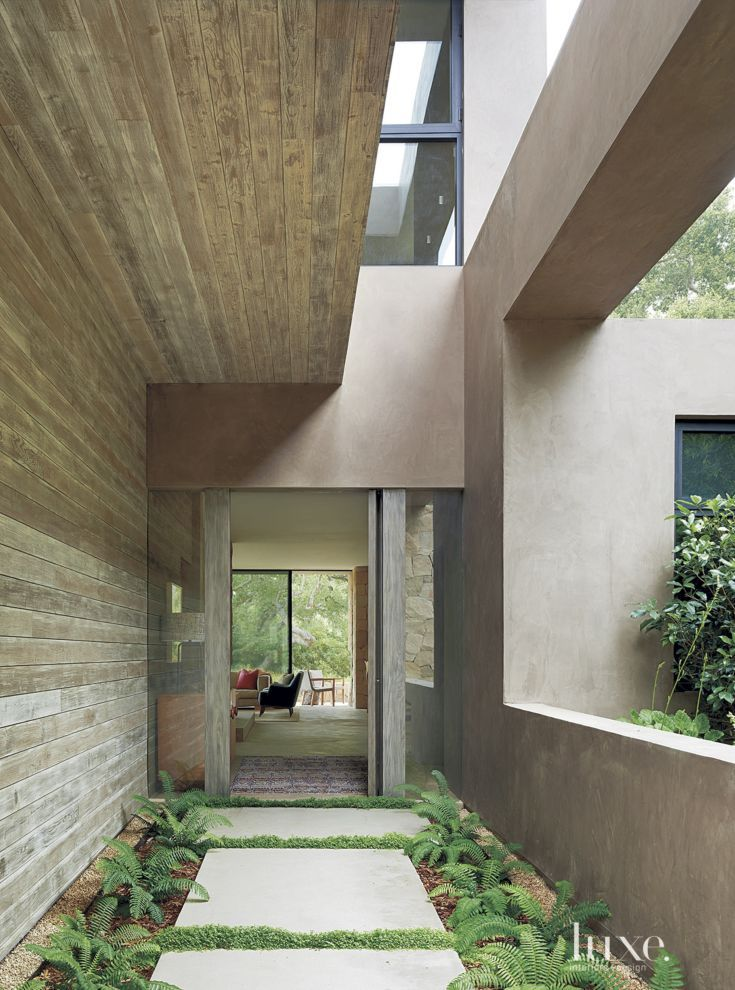 Rough Sawn Cedar Architect And Interior Designer Ron Radziner Juxtaposed With Smooth Troweled Cement Plaster For The Entry Walkway Of This