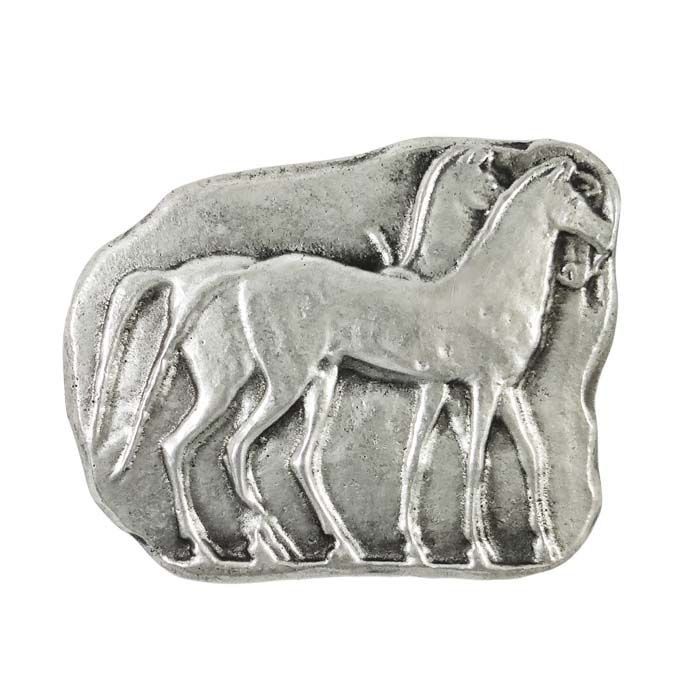 Horses are symbols of strength, beauty and pride.The ancient Greeks used horses in warfare and chariots, but also at the Olympic Games, thatwere necessary for the chariot races and the equestrian events. The presentation is inspired by a relief from the base of a kouros statue, found in the wall of Themistocles in Athens, dated to 510 B.C.  Dimensions: 8 cm x 6,5 cm x 5 mm Bronze, plated in silver solution 999°.