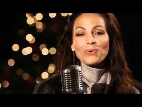 """Joey+Rory's """"A Farmhouse Christmas"""" show - 5 minute sampler . if you have never heard of her and her husband you really need to take a look at this video !!! They don't come anymore countrified than this country couple !"""