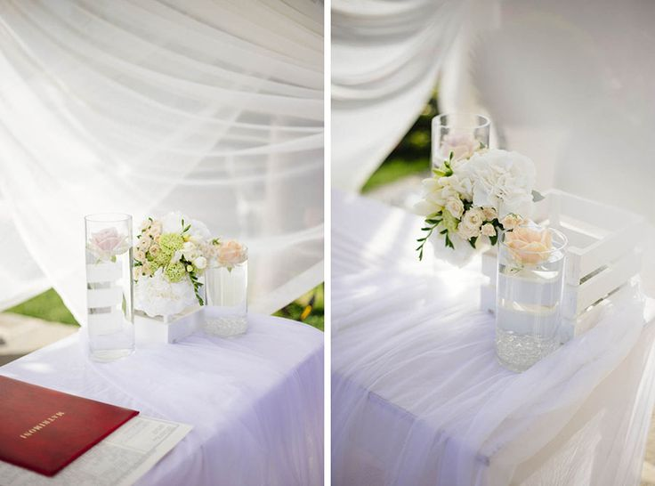 Green peach and soft pink roses for Cerimony Blessing - Rustic and country design http://www.fantasiaromantica.com  Wedding Destination Photographer: Florence   Europe | Martina   Fabrizio Wedding in a Tuscan villa | http://www.tastino0.it