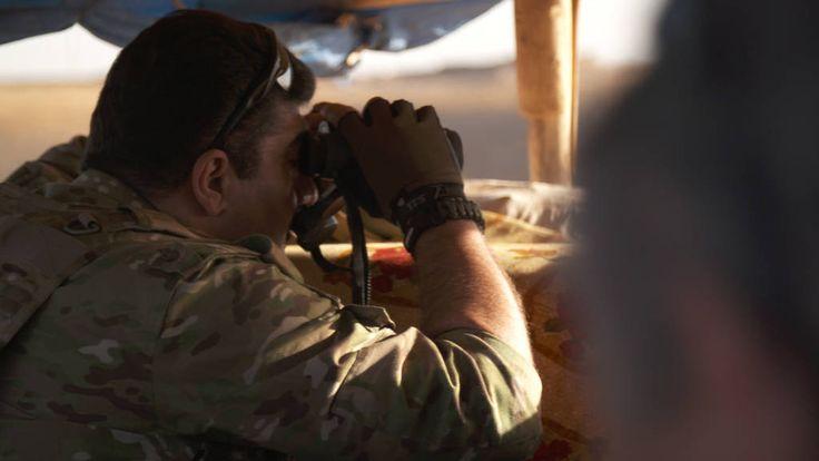 Rudi Vranckx neemt je in deze longread mee langs dé frontlinie van onze tijd, die tegen I.S. Op die reis van meer dan duizend kilometer door de Koerdische bergen langs loopgraven, sluipschutters en zandzakjes, ontmoet je de mensen op én achter het front.