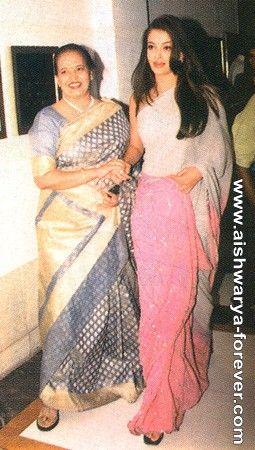 Aishwarya Rai Bachchan with mother Vrinda!